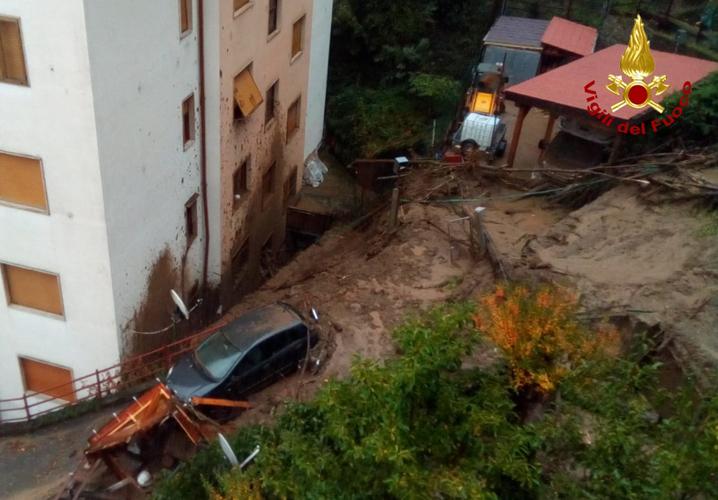 Evento alluvionale nel Nord Italia - frana di Rossiglione (GE)